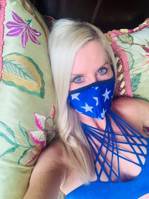 Mia Brazilia Star Mask